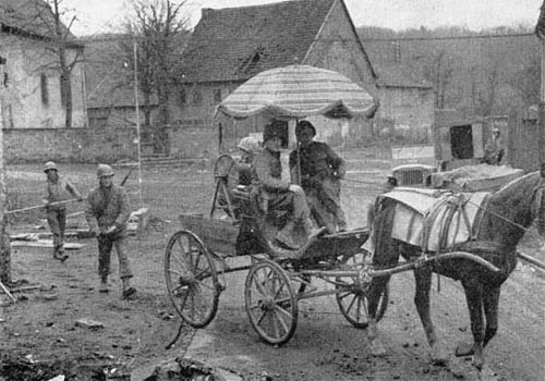 De-Mechanized Warfare -- U.S. Signal Troops in Horse and Buggy