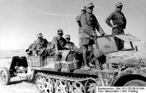 Sdkfz. 10 Halbkettenfahrzeug in North Africa with DAK