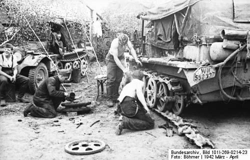 Maintenance Sdkfz. 10 Halbkettenfahrzeuges