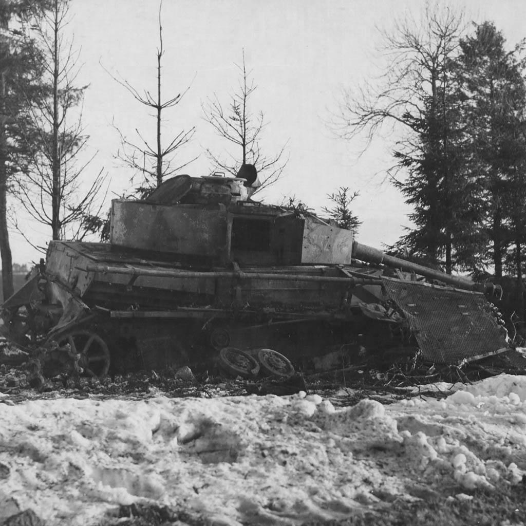 chars allemands World-war-2-tank-ipad-wallpaper