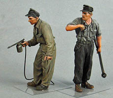 T-35129 German Tank Crewmen