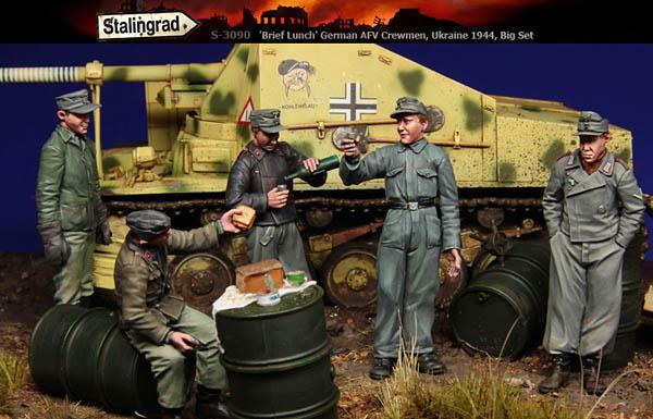 Brief Lunch, German AFV Crewmen, Ukraine, 1944, Big Set