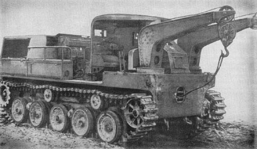 Combination Prime Mover and Wrecker - Japanese WWII Tractor