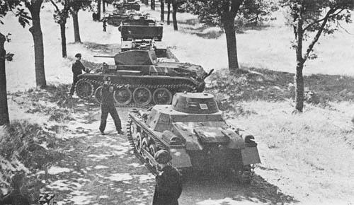Pz. Kpfw. II Ausf D, E (Sd. Kfz. 121): Light Tanks